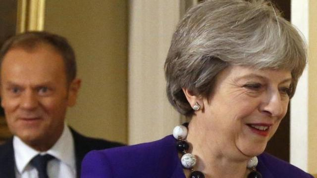Theresa May offers to delay the vote on the Brexit