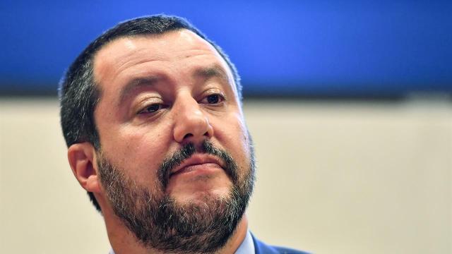 Il M5S rilancia la proposta di legalizzare la Cannabis andando contro Salvini