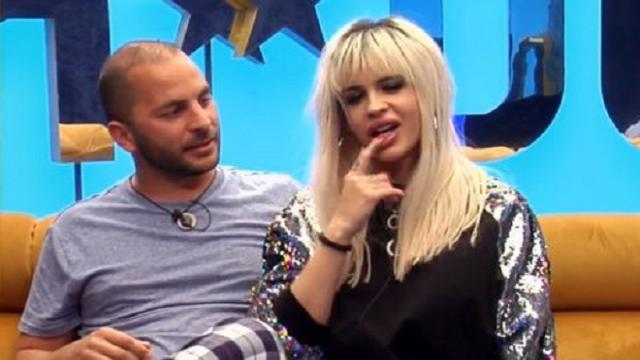 Antonio Tejado e Ylenia comparten un momento de pasión