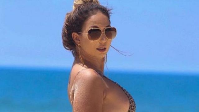 Valesca Popozuda teria mostrado parte íntima em show, diz revista
