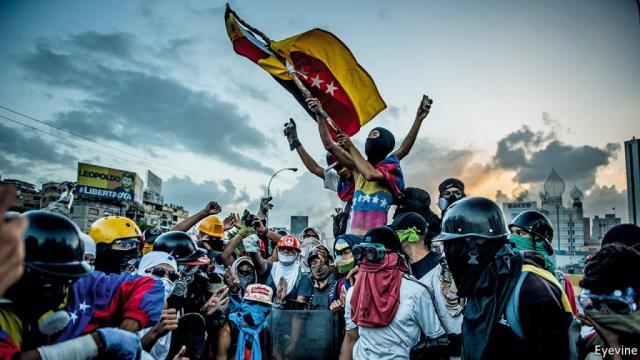 Venezuela : une panne d'électricité accentue le chaos, Guaido demande 'l'état d'urgence'