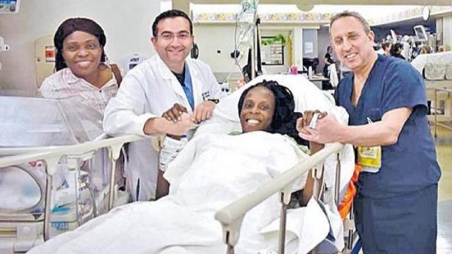Mulher tem seis gêmeos em um parto normal que, incrivelmente, durou nove minutos.