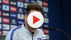 'El cholo' Diego Simeone es respaldado por la afición del Atlético de Madrid