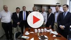 Eduardo Bolsonaro comenta sobre crise venezuelana em visita ao Chile