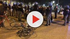 Torino, poliziotti in antisommossa contro la 'critical mass', il M5S: 'Sconcertante'