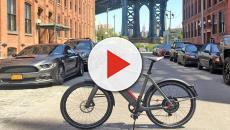 Bici elettrica, un disegno di legge propone casco obbligatorio, targa e assicurazione