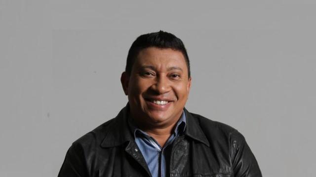 Humorista do SBT, Pedro Manso, é preso ao ser flagrado com arma ilegal