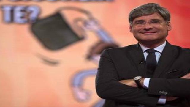 'Diritto e Rovescio', lite tra Del Debbio e il rappresentante rom: 'Stia bono'