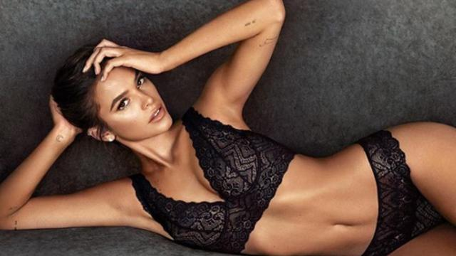 Bruna Marquezine é clicada de lingerie e revela: 'Vejo a moda como arte'