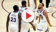 Jugando con la camiseta retro, los Warriors homenajean a Stephen Curry y a Kevin Durant