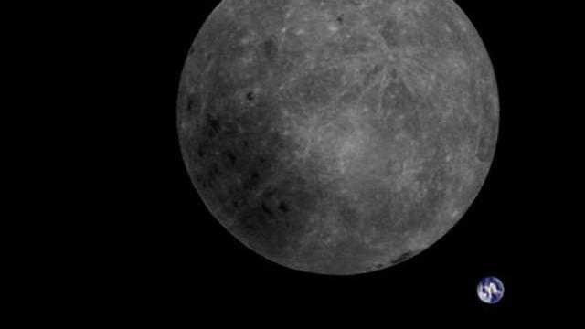 Meteor showers dig up water on the moon