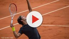 Roger Federer prepares for the clay season, posts photos of him training