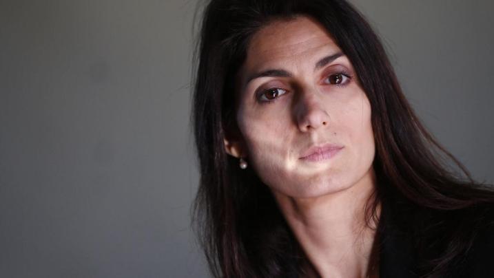 Roma: ex manager dell'AMA denuncia le pressioni esercitate dal Sindaco Raggi