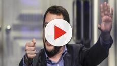 Salvini, selfie e auguri di Buona Pasqua ai migranti della tendopoli di San Ferdinando