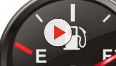 Aumenti benzina: sull'autostrada si segnalano prezzi che superano i 2 euro al litro