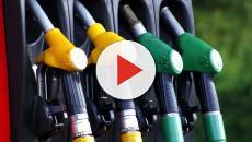 Rincari benzina: in autostrada costo fino a 2 euro, aumenti anche in futuro