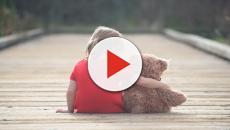 O momento em que a menina é levada por suspeito de assassina-la foi registrado por câmeras