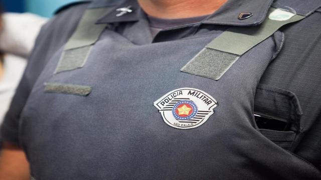 No DF uma policial foi agredida e deixada nua em um estacionamento