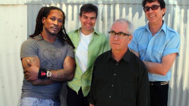 Banda Dead Kennedys cancela turnê no Brasil após polêmica com cartaz