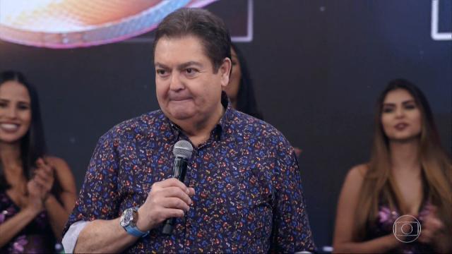 Filho presta homenagem a Fausto Silva no dia do aniversário do apresentador