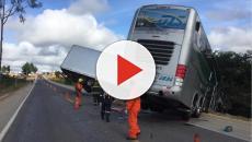 Acidente com ônibus que levada time sub 15 do Bahia deixa duas pessoas mortas