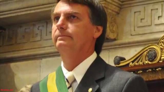 Ministro Ernesto Araújo usa citação bíblica para falar de Bolsonaro