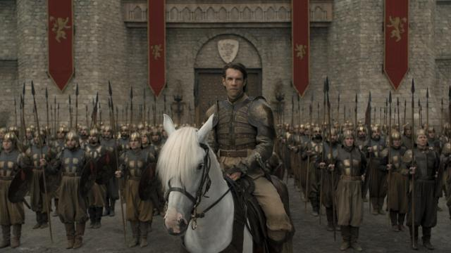 'Game of Thrones' Season 8 Episode 5 New Pics Reveal a Tense Battle in Sight