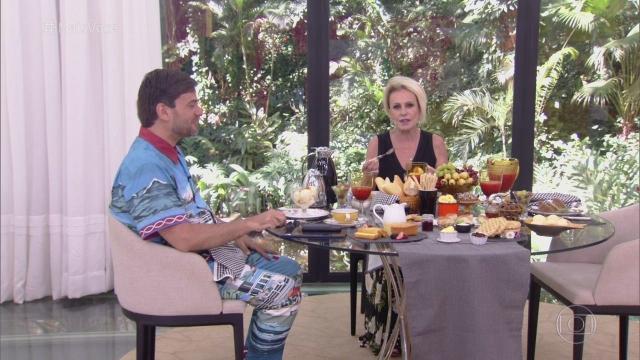 Globo contraria Ana Maria Braga e demite Bruno Astuto do 'Mais Você'