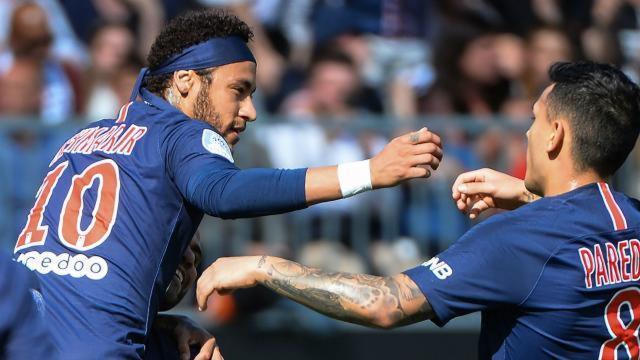 36e journée de Ligue 1 : L'ASSE cale devant Montpellier, Paris s'impose à Angers