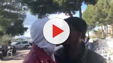 Dos homosexuales besándose en un vídeo de VOX en el que piden el voto para el partido