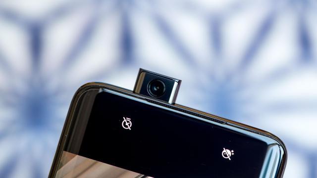 OnePlus 7 Pro: il nuovo top di gamma che sfida Samsung e Huawei