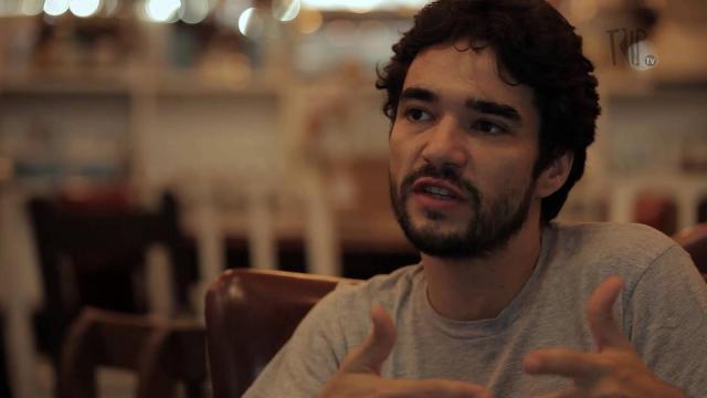Ator Caio Blat é alvo de acusação de assédio e Globo se manifesta