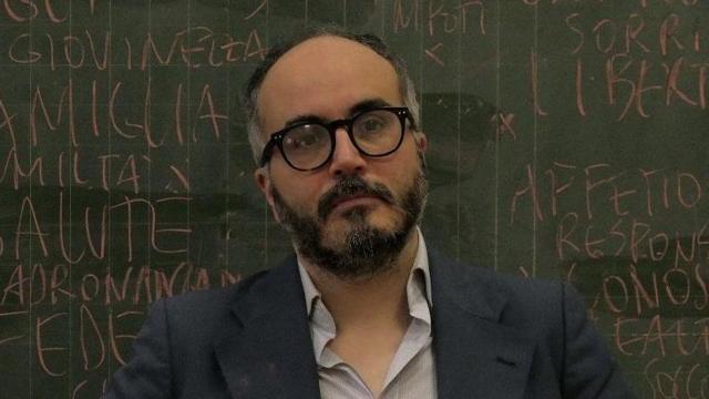 Christian Raimo accusato da Diego Fusaro: 'Eroe dello squadrismo antifascista fucsia'