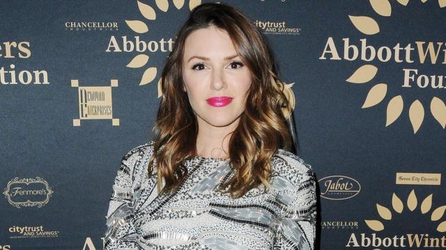 'The Young And The Restless' Teases Elizabeth Hendrickson's Return As Chloe Mitchell