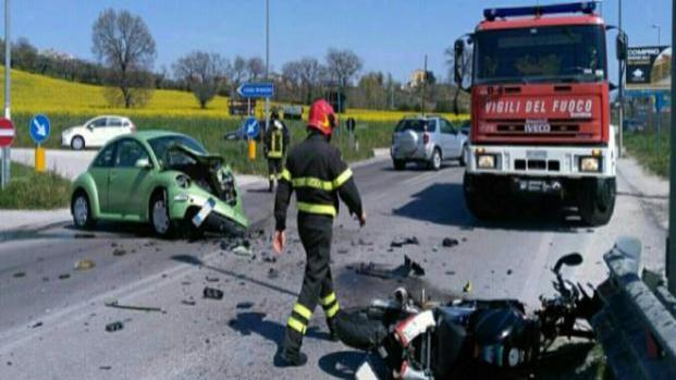 Cosenza: coppia ha incidente in moto, lei muore e lui è molto grave