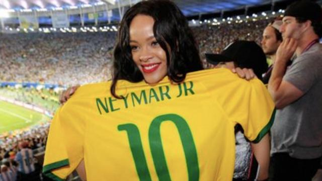 Neymar posta foto com Rihanna e se declara para a cantora: 'Rainha'