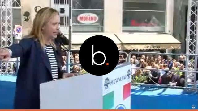 Giorgia Meloni attacca Roberto Saviano: 'Con Gomorra hai sputtanato Napoli'