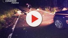 Padova, dei massi si staccano dalla montagna e colpiscono un'auto: nessun ferito