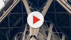 Reabren la Torre Eiffel tras el incidente del escalador