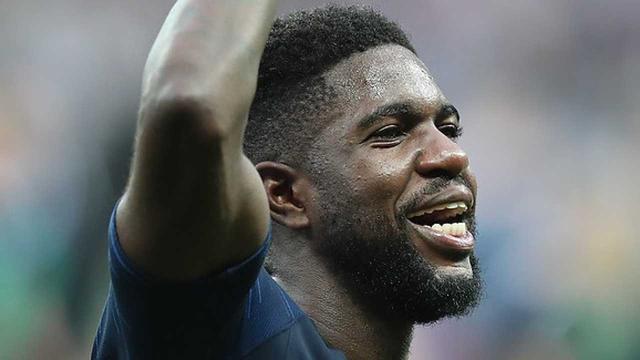 Mercato, la Juve starebbe seguendo 5 difensori centrali: tra i possibili obiettivi Umtiti