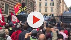Genova, parla il giornalista colpito dagli agenti: 'Credevo di morire'