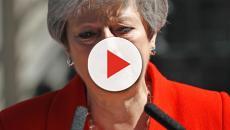 Theresa May renuncia y dice adiós entre lágrimas a Downing Street