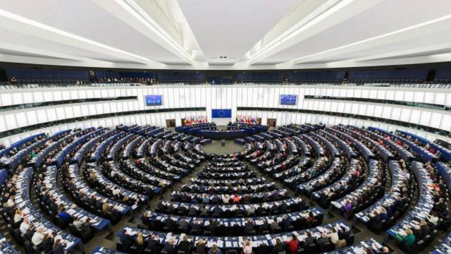 Européennes : Le PPE recule à Strasbourg face à la progression de l'ALDE et des Verts