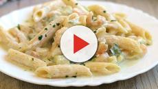 Con l'avvento dell'estate la pasta con zucchine e gamberetti sono una perfetta simbiosi