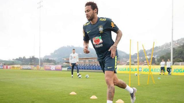 Jogador tem que mudar de time após dar rolinho em Neymar