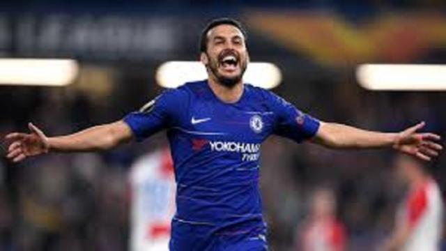 Pedro rejoint quatre légendes avec 4 titres majeurs