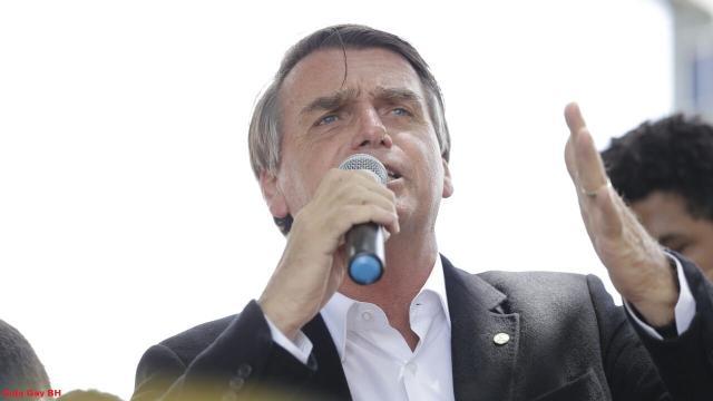 Presidente Jair Bolsonaro questiona STF