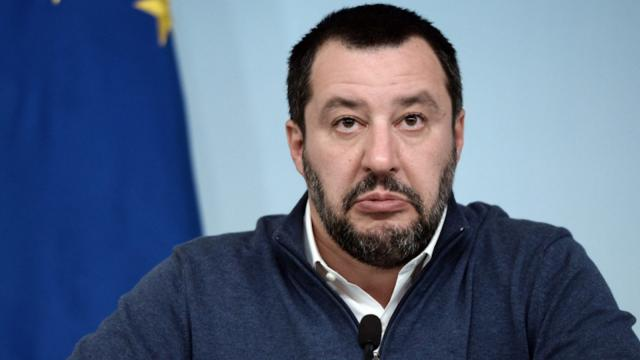 Delrio contro Salvini: 'E' solo un bullo da bar'