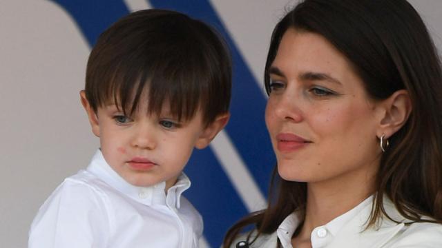 El hijo mayor de Carlota Casiraghi, único sin derechos dinásticos por la boda de su madre