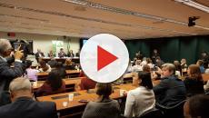 Deputados aprovam PEC que limita o poder do Executivo no Orçamento